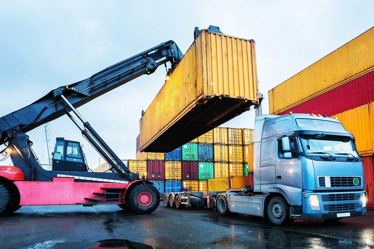 Why you need to hire a professional freight company for domestic services?